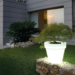 Bordato Indoor-Outdoor Lighted Planter