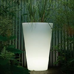 Liscio Indoor-Outdoor Lighted Planter