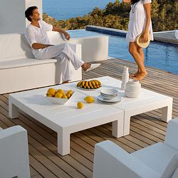 Jut Outdoor Casual Tables