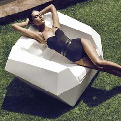 The Faz Outdoor Lounge Chair