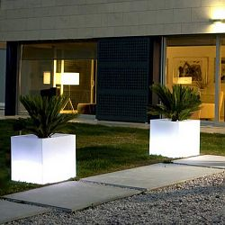 Illuminated Cube Outdoor Planter