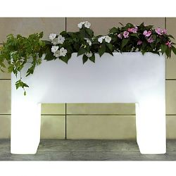 Illuminated Muro Outdoor Planter